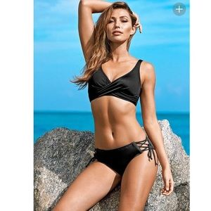 VENUS BLACK LOVELY LIFT WRAP BIKINI TOP
